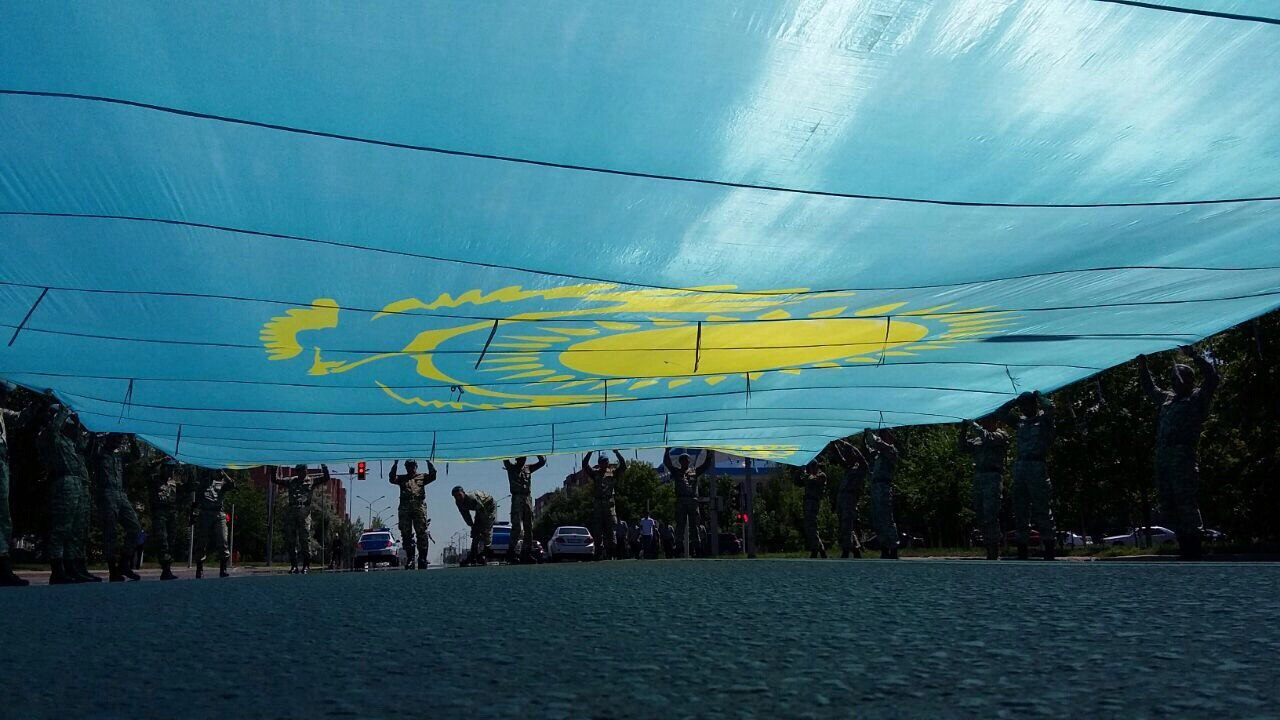 КАЗАХСТАН: ПРОТИВОСТОЯНИЕ НАЦИОНАЛИСТОВ И ИНТЕРНАЦИОНАЛИСТОВ