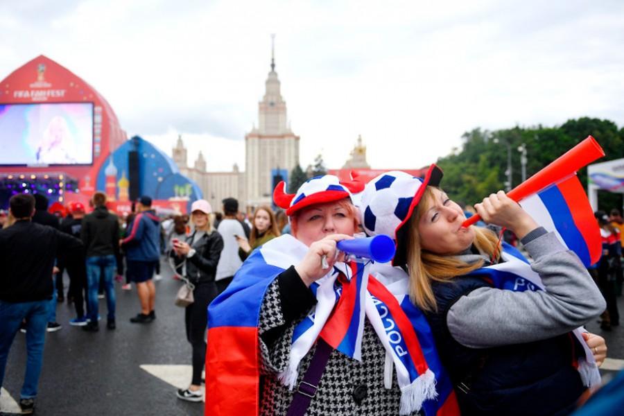 """""""О чем вы там в FIFA думали?"""". Американец рассказал, каково в России на самом деле"""
