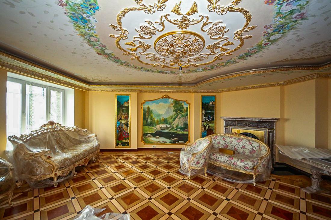 Так жить нельзя: как выглядит квартира подмосковного принца