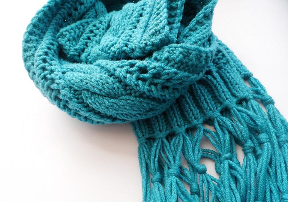 Идеальный аксессуар в холода — подборка вязанных шарфов на любой вкус