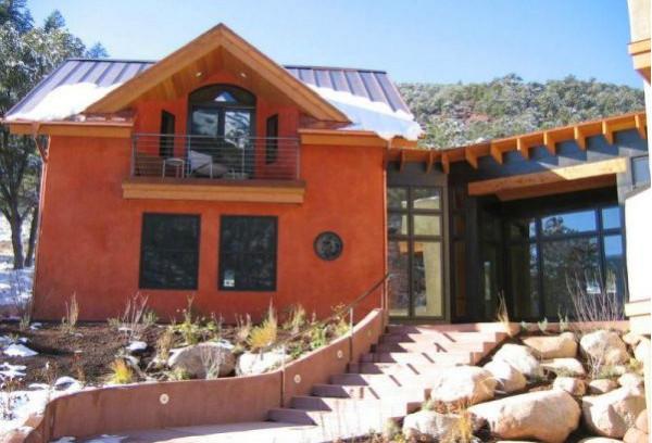 Устойчивые и энергосберегающие дома из соломенных блоков