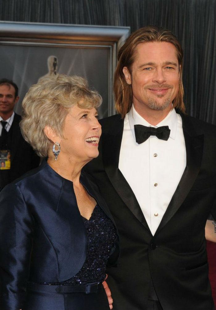 26. Брэд и Джейн Питт звезды, мама, фото