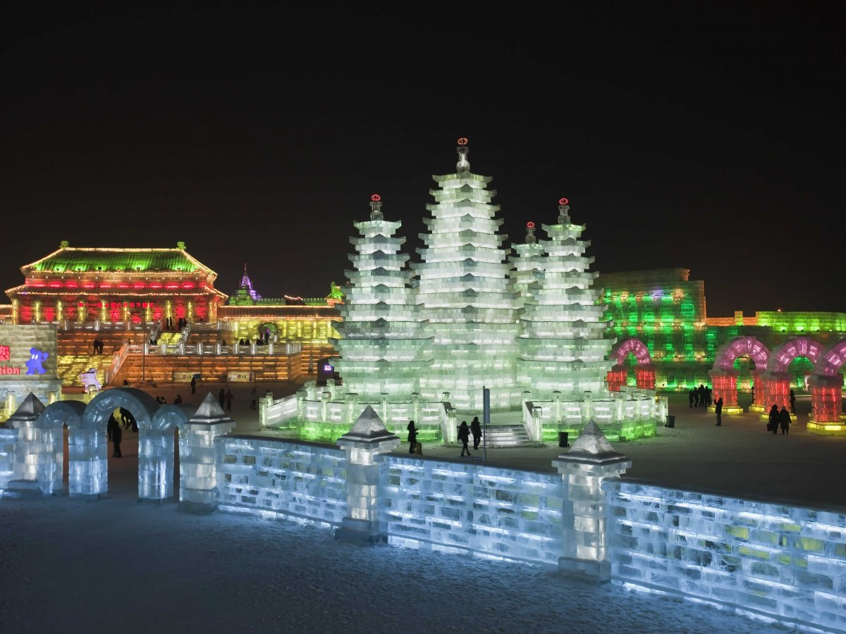 wander-through-a-village-made-completely-of-ice-at-the-worlds-largest-ice-festival-in-harbin