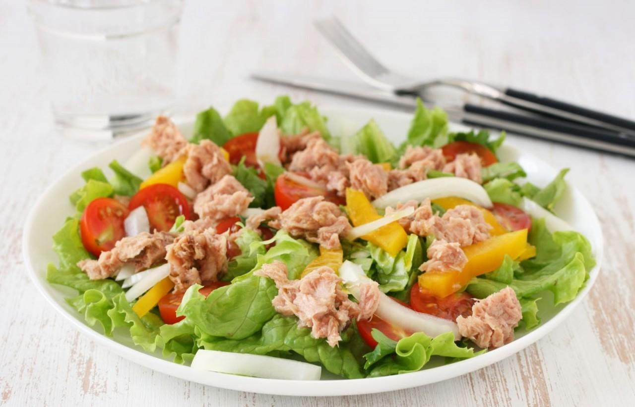 Салат из овощей с тунцом рецепт с
