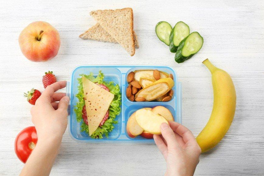 Идеи легкого и полезного домашнего перекуса ребенку в школу