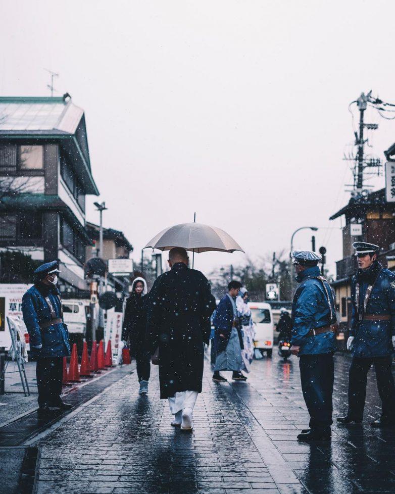 На улицах Японии…