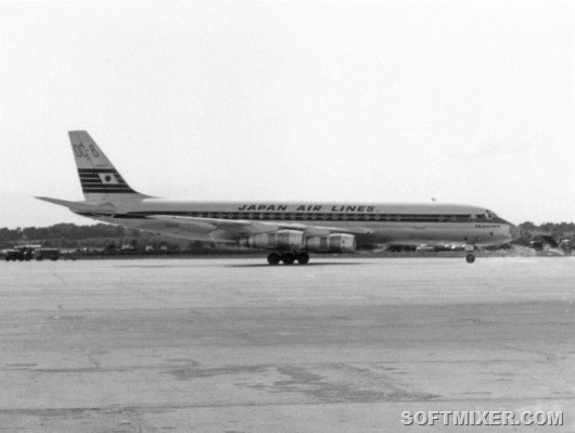 795px-DC-8_Japan_Airlines