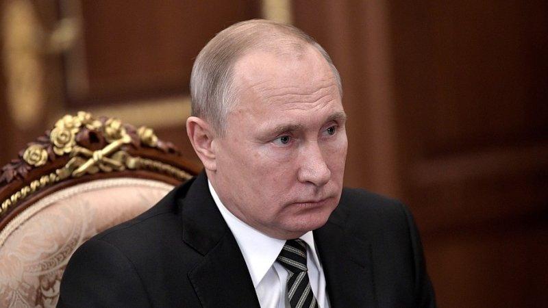 Владимир Путин искупался в проруби на Крещение
