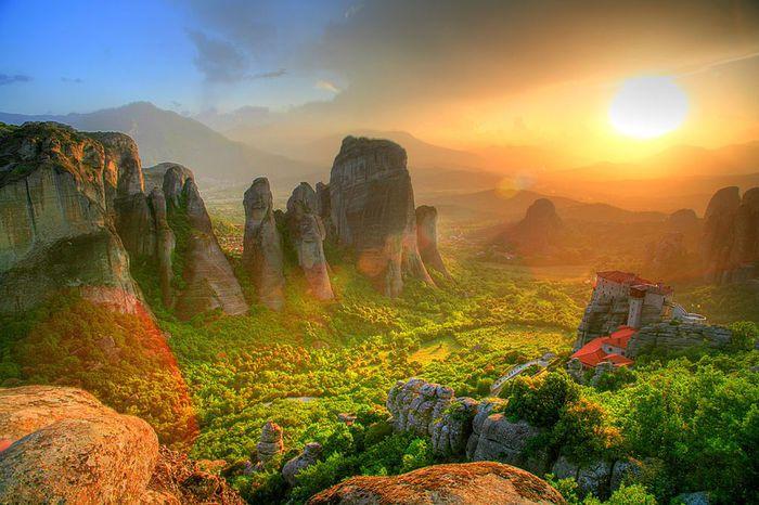 Фото Монастыри Метеоры, Греция. 22 (700x466, 71Kb)