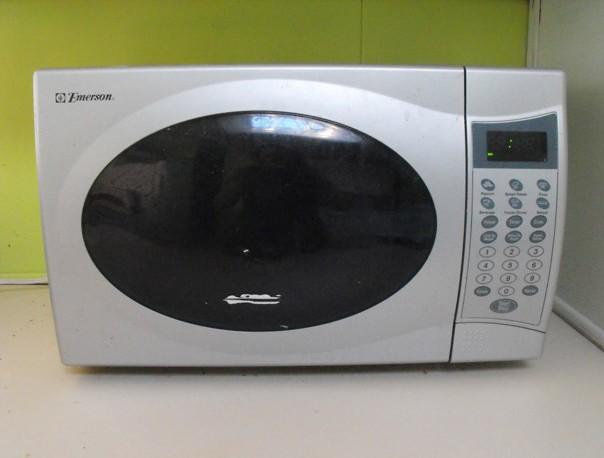 Чистим микроволновую печь за 5 минут