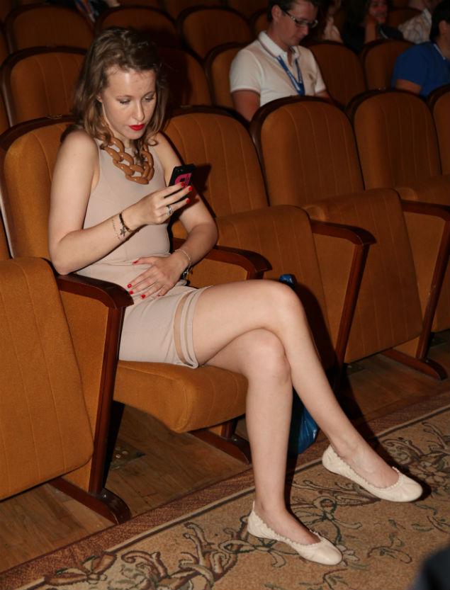 Фото ксении собчак ее ноги