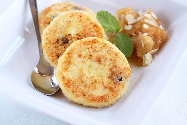 Рецепт сырников с яблоками