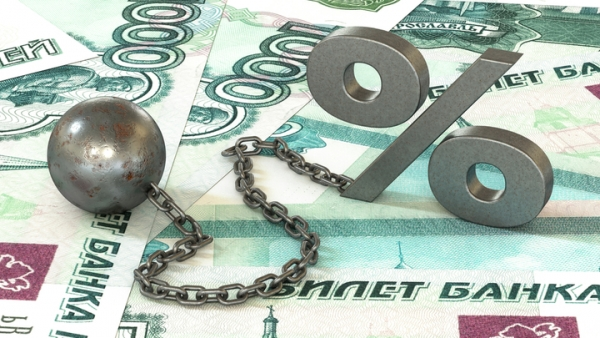 Кто обесценивает российскую валюту