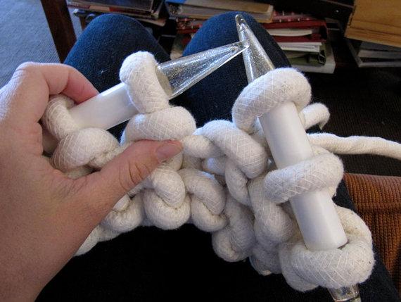 Гигантские вязать веревки пуф