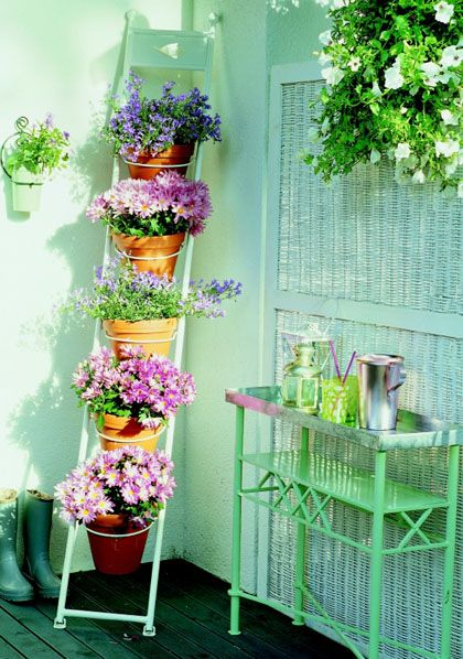 A great idea for the master en suite balcony...For a balcony or a small space!: