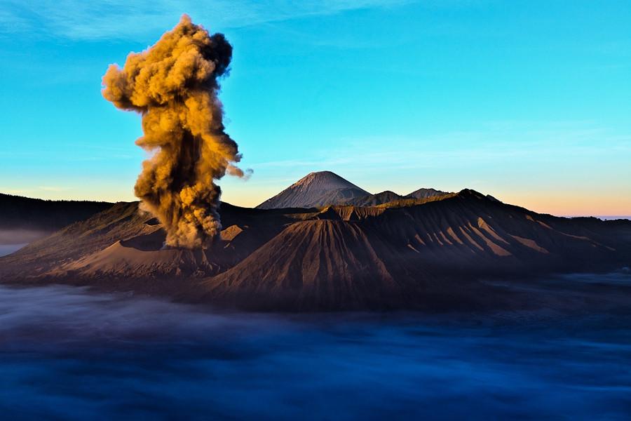 Извержение горы Бромо вулкан, фото