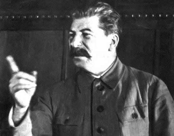 """Мы получили войну на год раньше – """"спасибо"""" Англии. Мы получили фронт на сотни километров дальше – спасибо Сталину"""