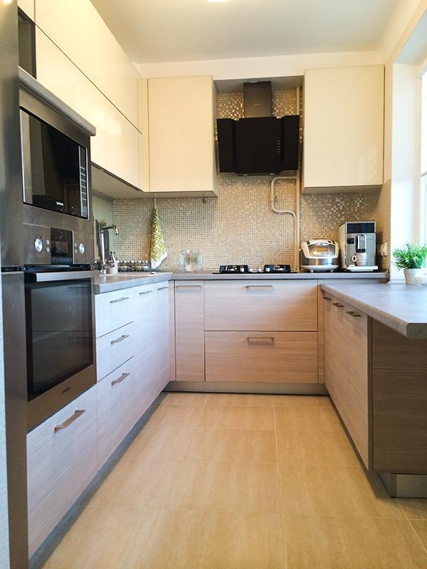 Метраж нашей кухни всего лишь 6,9 кв. метров, но там вместилось все, что нужно для комфортной жизни