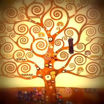 """Может быть, у кого-нибудь найдется схема? Климт """"Дерево жизни"""""""