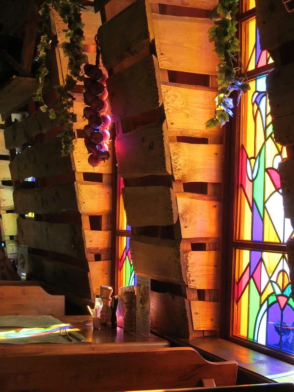 Свет витражей! Не ослепните от такой красоты Собор Святого Вита Интерьер