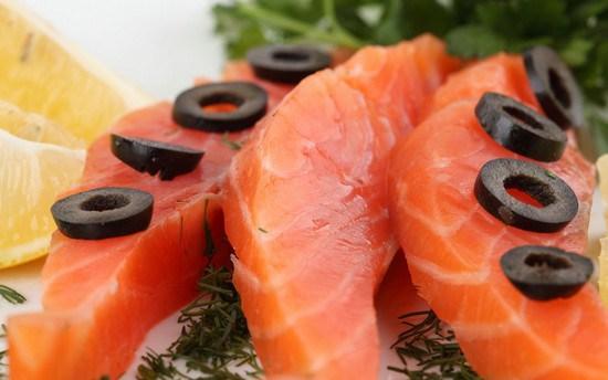 Семга слабосоленая: рецепт приготовления в домашних условиях, калорийность. Салаты с слабосоленой семгой