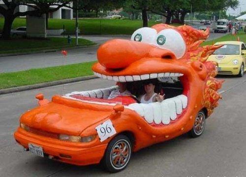 Самые необычные модифицированные автомобили (15 фото)