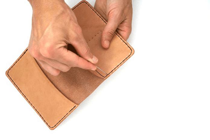 Кожаный чехол дляпаспорта своими руками