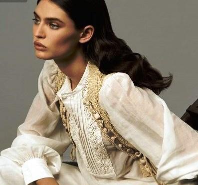 Летние блузки из льна — это очень красиво и актуально