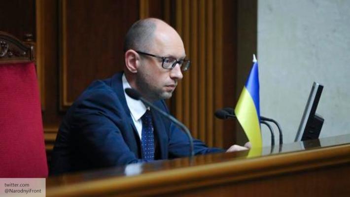 Яценюк пожаловался, что эмбарго РФ обрушит экономику Украины