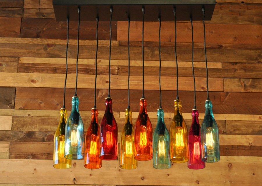 Светильники из бутылок стеклянных  фото