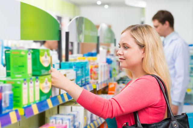 Спирт и марганцовка. Что нельзя купить в аптеке без рецепта?