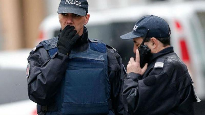 Starbucks раздора: почему японцев так возмутили канадские полицейские, пьющие кофе