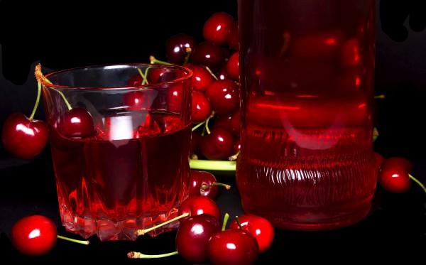 Домашняя вишневая водка