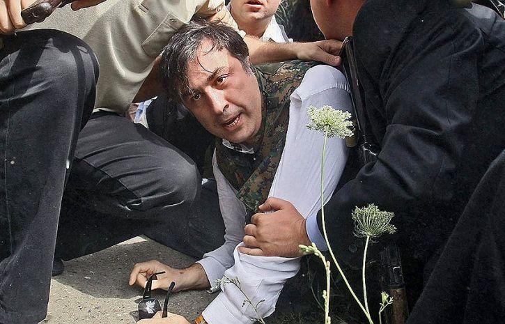Американские санитары не смогли удержать Саакашвили