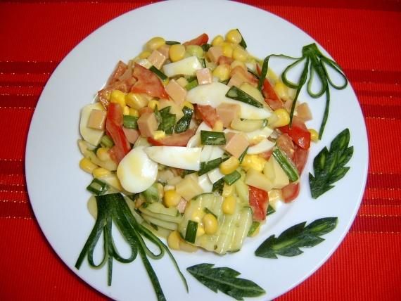 Салат с кукурузой и огурцом колбасой рецепт с