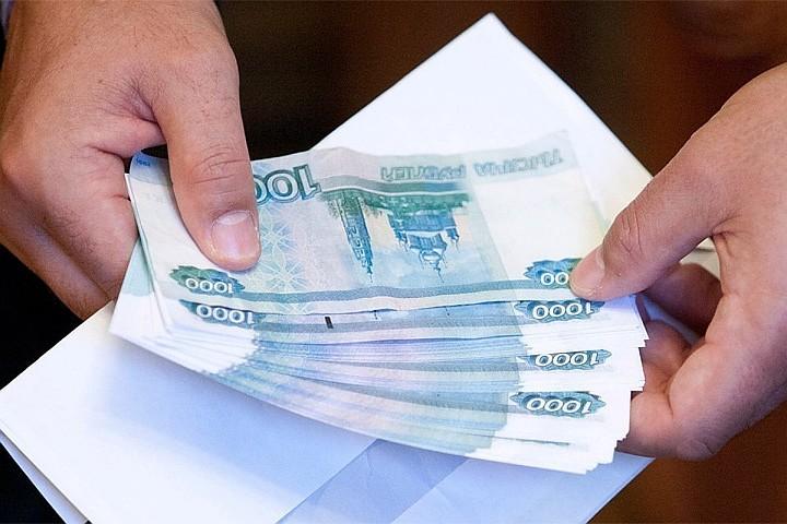 Росстат назвал российские регионы с самыми богатыми чиновниками