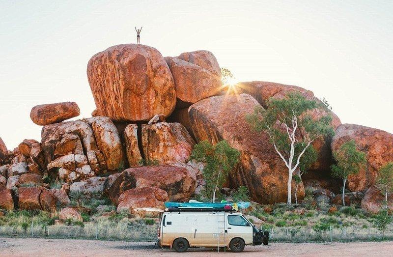 """""""У нас не было постоянной работы, детей, ипотеки или каких-либо других сдерживающих обязательств"""" австралия, жизнь, пара, приключение, путешествие, фотография, фургон"""