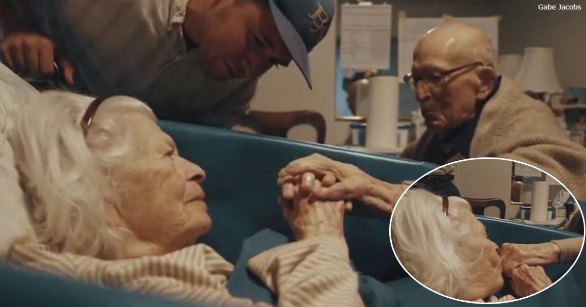 105-летний муж пришел к 100-летней жене, чтобы отметить их 80-ю годовщину