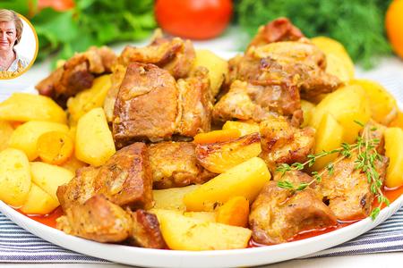 Фото к рецепту: Мясо в рукаве в духовке с картошкой