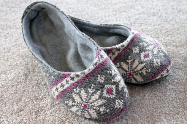 Скандинавские тапочки-слиперы из старого свитера. МК