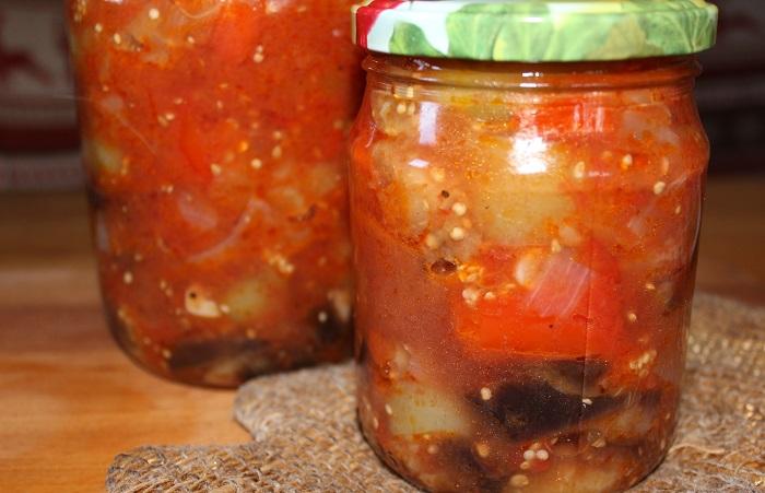 "Салат ""Тройка"" из баклажанов, перца и помидор на зиму"