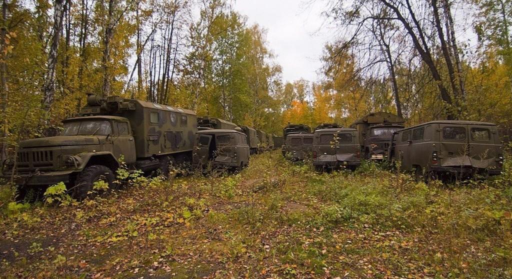 """Брошенная военная техника в лесу """" 21 регион - информационно."""