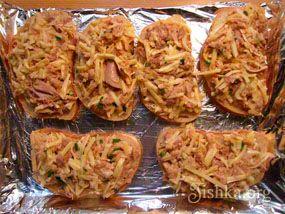 Горячие бутерброды с тунцом