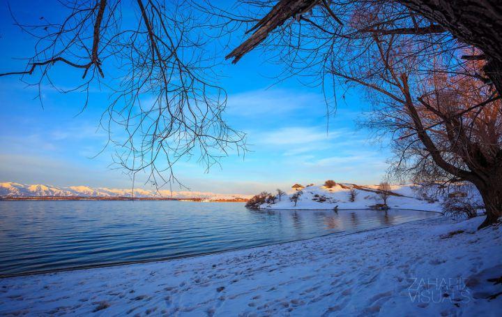 Issykkul Lake, second biggest mountain lake in the world, eastern Kyrgyzstan.