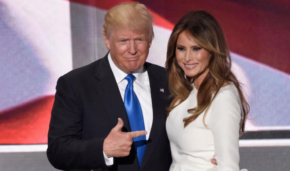 Трамп написал имя своей жены…