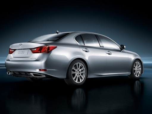 Lexus отзовет в России 1365 автомобилей GS из-за проблем с тормозами