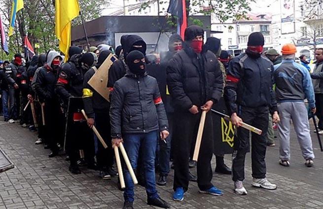 Радикалы из «Правого сектора» объявили войну евреям в Одессе