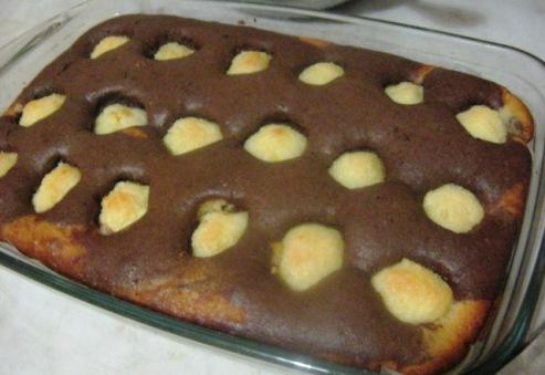 Шоколадный  пирог   «Утренняя роса» с творожными шариками