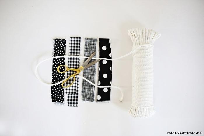 Корзинки, вазочки и коврик из лоскутков и бельевой веревки (8) (700x466, 121Kb)