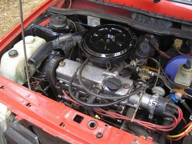 Следует ли мыть двигатель на автомойке?